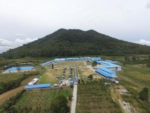 SMA/SMK PLUS EFARINA terletak di bawah kaki Gunung Singgalang.