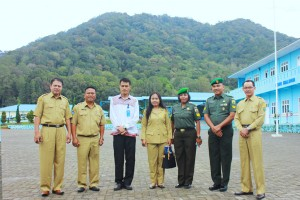 foto-bersama-dengan-pengawas-provinsi